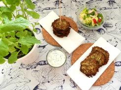 Zucchini-Laibchen-vegan-vegetarisch-zum-Dippen